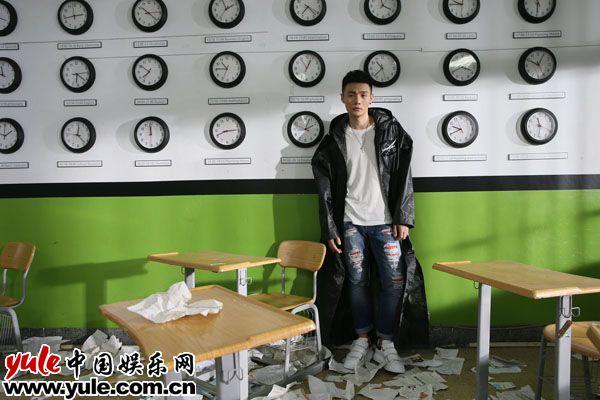 李荣浩《嗯》:继续在先锋流行乐的路上飞奔资讯生活